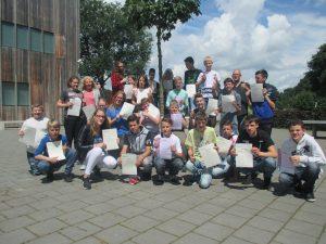 Leerlingen PrO Assen behalen IVIO diploma en VOS certificaat .